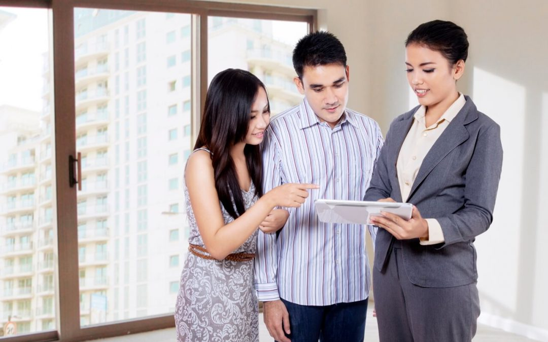 How to Work with a Real Estate Agent When Buying a Home